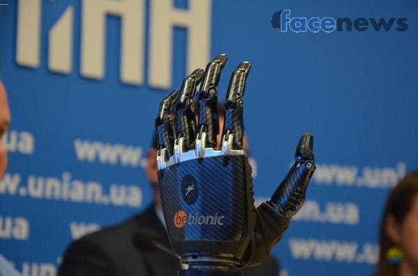 Электронный протез кисти левой руки Bebionic3