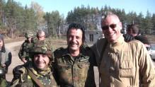 Итальянец - по центру, слева от него - боец Еврей.