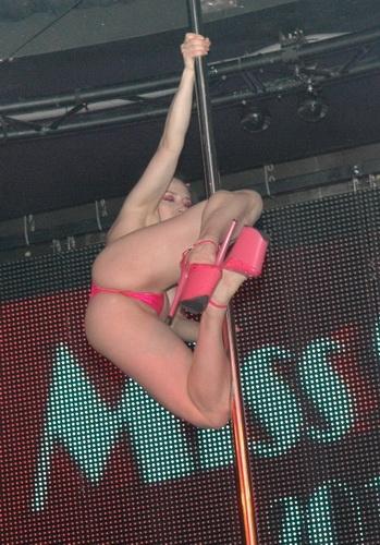 В Arena Dance Club прошла настоящая битва между девушками самой эротической профессии