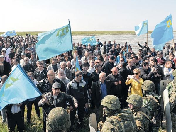 Крымские татары готовятся прорвать кордон ОМОНа, чтобы провезти на полуостров своего лидера 3 мая 2014