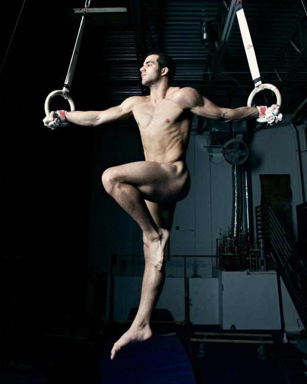 Парни гимнасты голые