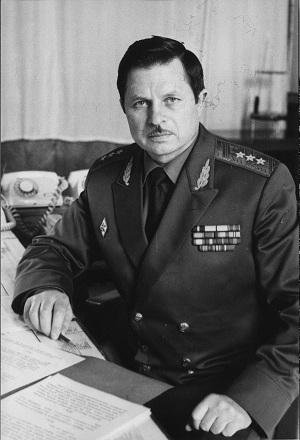 Генерал-полковник Анатолий Лопата в молодости (фото из архива Лопаты)