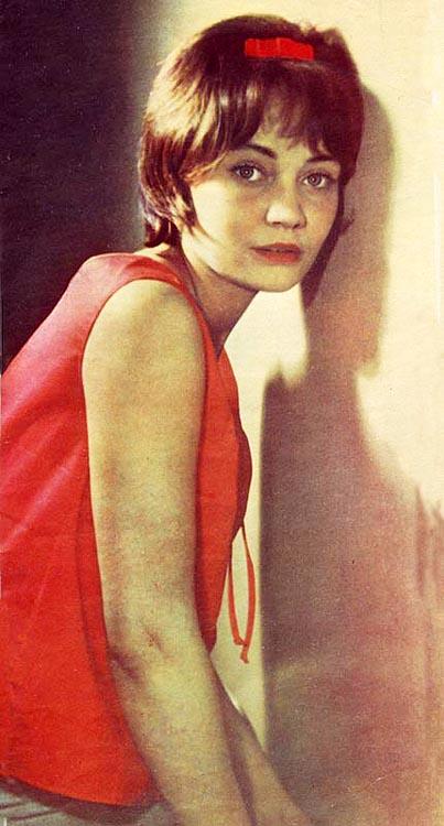 Номер единицы хранения:5053 аннотация:актриса лариса лужина (портрет)