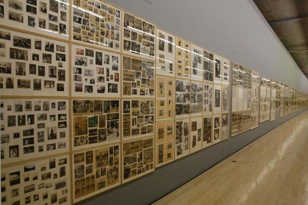 Герхард Рихтер. Проект ''Атлас''. 1962-2013. Коллекция фото и вырезанных из газет и журналов заметок, которую автор начал собирать в 1962 году.
