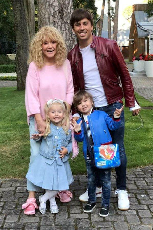 Максим Галкин и Алла Пугачева с детьми