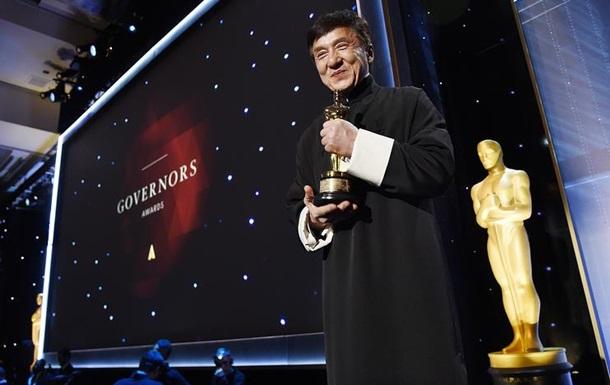 «После стольких сломанных костей»: Джеки Чану дали «Оскара»