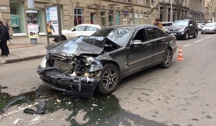 Нетрезвый чиновник наэлитном авто устроил две трагедии вцентре Одессы