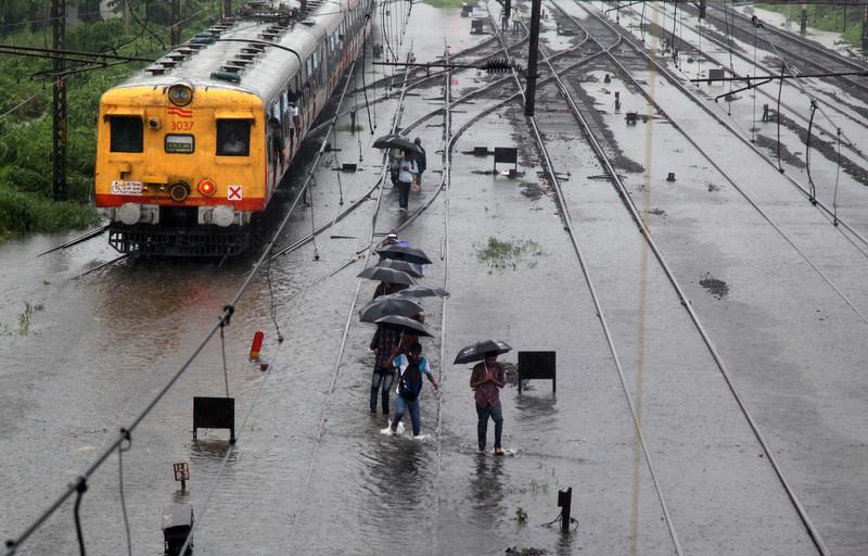 Индийский Мумбаи все чаще страдает от серьезных подтоплений после ливней / Фото ЕРА