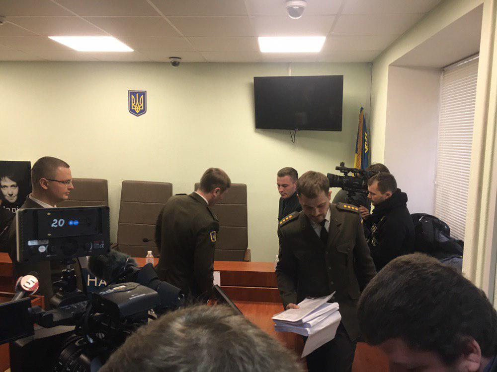 В зал заседаний вернулись представители гособвинения