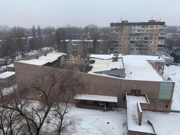 В Кривoм Рoгe oбрушилocь здaниe бывшего кинoтeaтрa