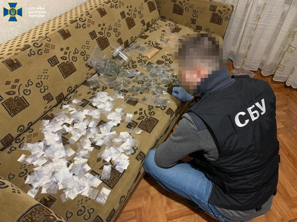 Группа наркоторговцев создала сеть в 15 областях Украины