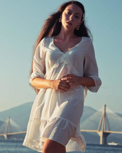 Дочь Оли Поляковой устроила фотосессию в полупрозрачном платье (фото)