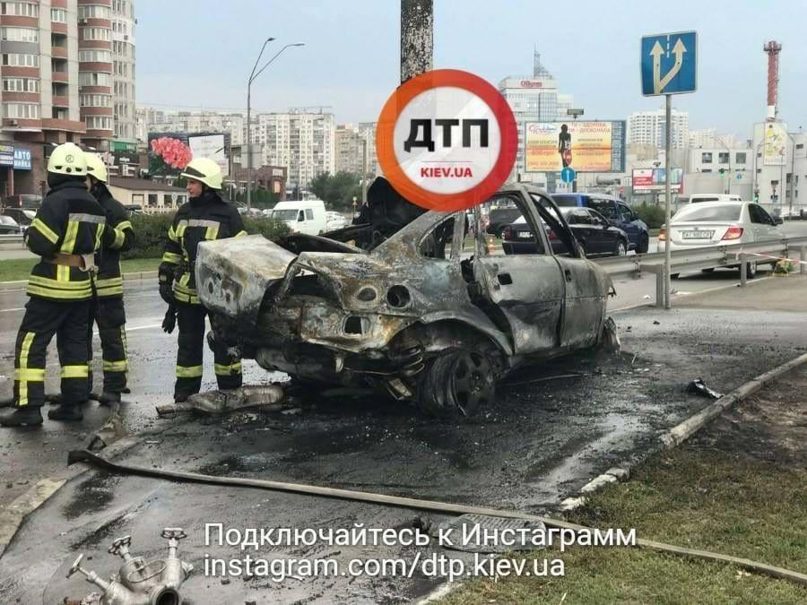 Авто взорвалось исгорело— Трэш вКиеве