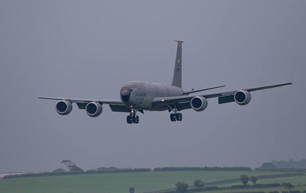 ВоЛьвов прибыли 5 американских самолетов для заправки стратегических бомбардировщиков