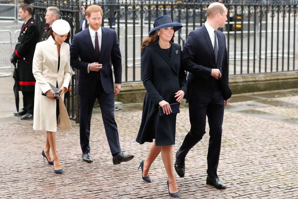 Кто богаче — Меган Маркл и принц Гарри или Кейт Миддлтон и принц Уильям