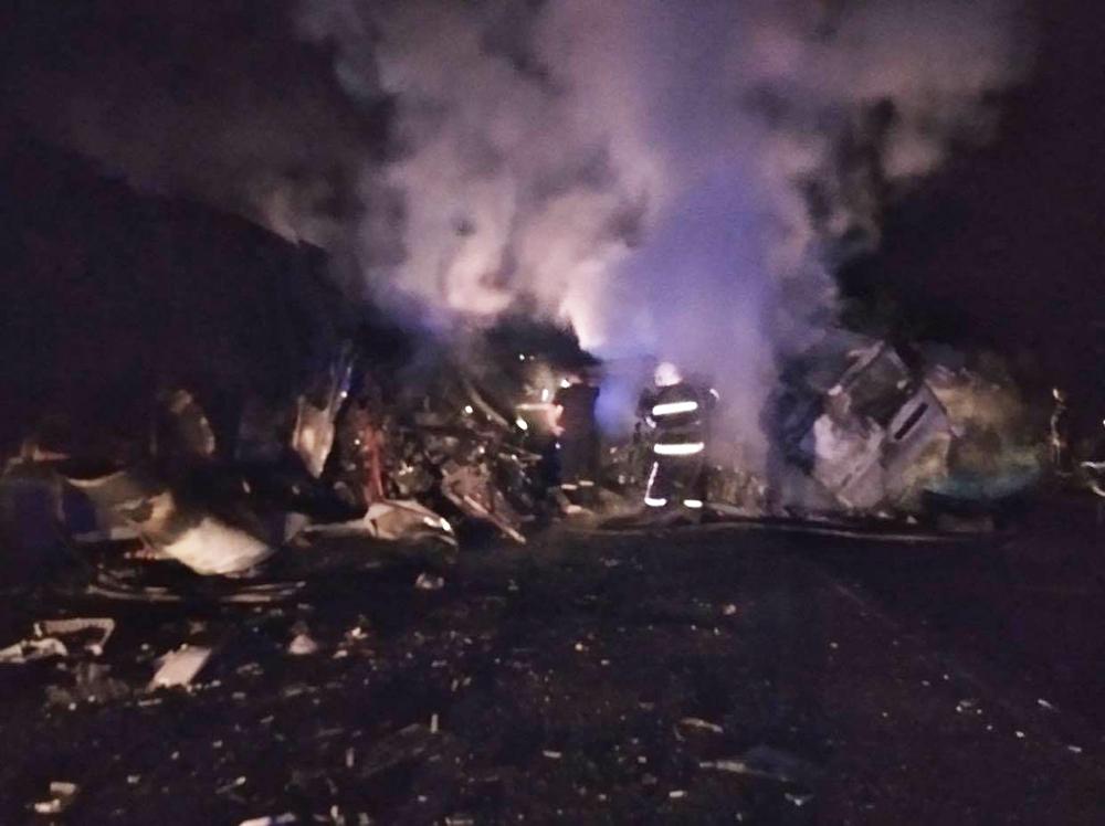 В Николаевской области от столкновения загорелись два грузовика, есть погибшие