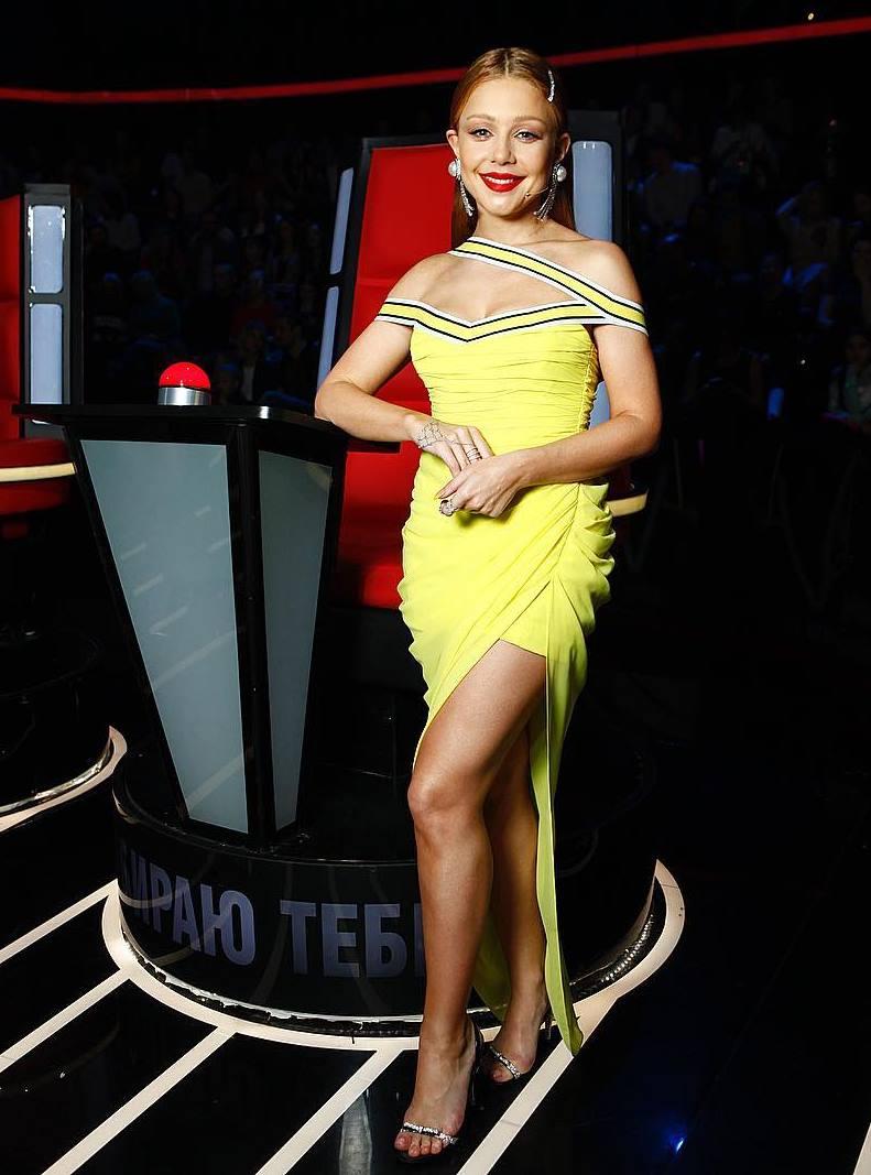 Тина показала стройные ножки