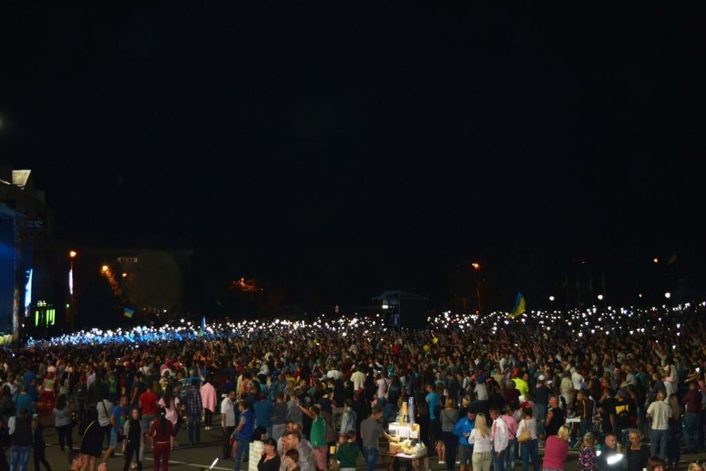 Свыше 25 тысяч человек отпраздновали День Независимости в центре Мариуполя - Цензор.НЕТ 5364