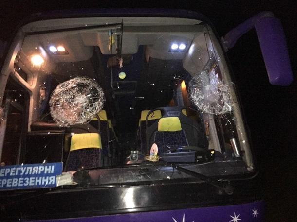 В Ровно забросали камнями автобус с верующими
