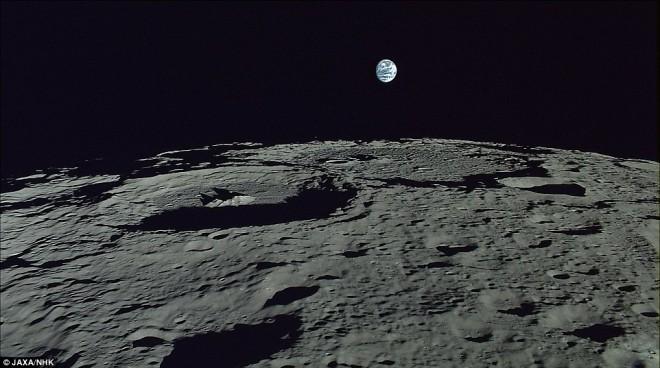 Наповерхности Луны найден земной кислород