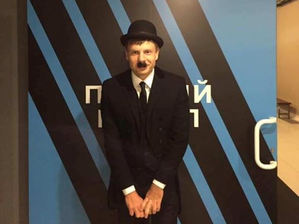 Народный депутат Алексей Гончаренко пришел нателеэфир вкостюме клоуна