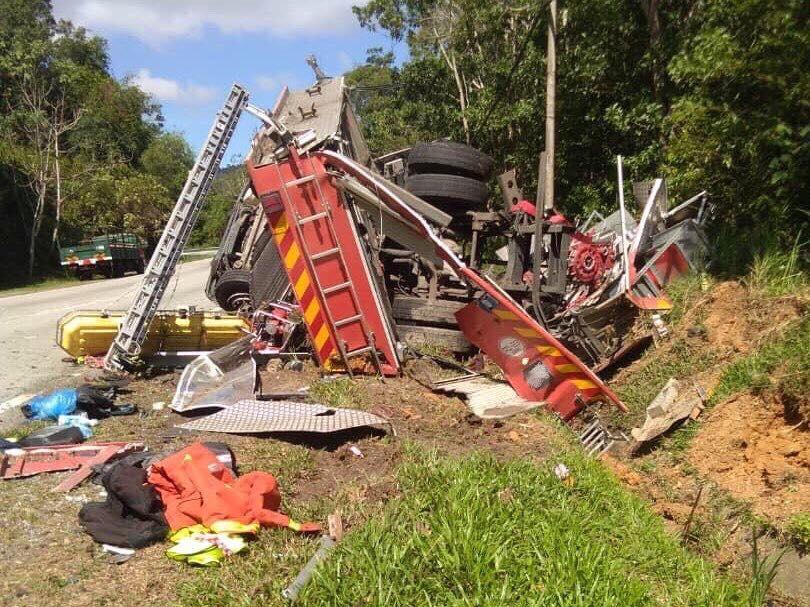 Обезьяны напали на пожарную машину в Малайзии