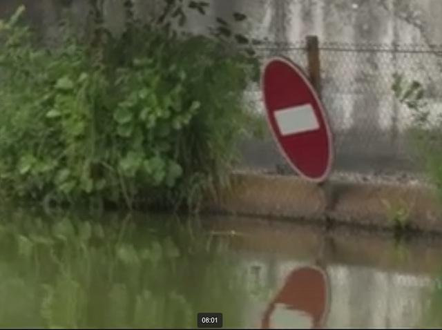Перекрытие речки вокруг участка Павла Кривоноса