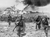 Солдати Вермахту в селі під Харковом, 1945 рік / Фото: memory.gov.ua