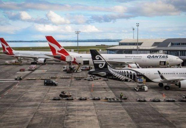 Крупнейшая авиакомпания Австралии массово увольняет сотрудников