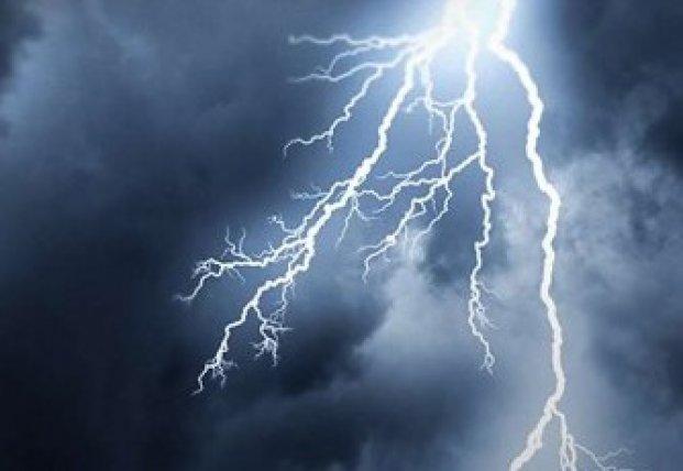 Как уберечься от удара молнии: важные советы