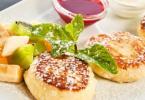 Идеальные пышные сырники: самый удачный рецепт (видео)