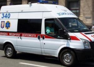 В Одессе Mercedes подрезал скорую помощь, из которой «вылетел» пациент