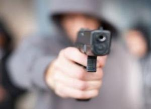 Подросток открыл стрельбу в магазине Харькова, есть пострадавшие