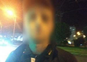 В Киеве мужчина и женщина напали на девушку посреди улицы (фото)