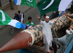 Мир на пороге войны: Пакистан может применить ядерное оружие из-за новой разработки Индии