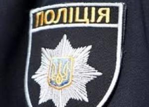 На Киевщине полицейскому пробили отверткой лицо (фото)