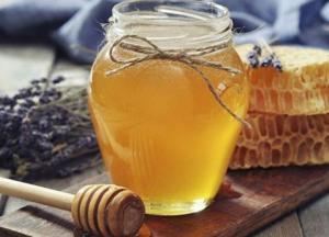 Медики развенчали мифы о пользе меда