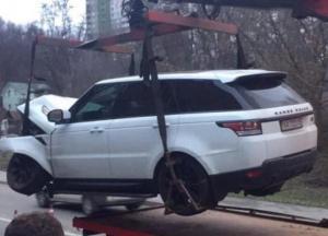 В Киеве сотрудники СТО разбили внедорожник клиента (видео)