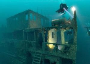 Воры украли 600 литров пива со дна океана