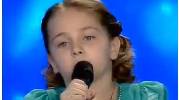 Внучка Лучано Паваротти вышла на сцену и заставила публику рыдать от  восторга   FaceNews.ua: новости Украины