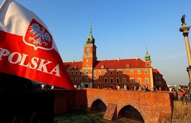 «Защищаем суды»: в100 городах Польши проходят демонстрации против судебной реформы