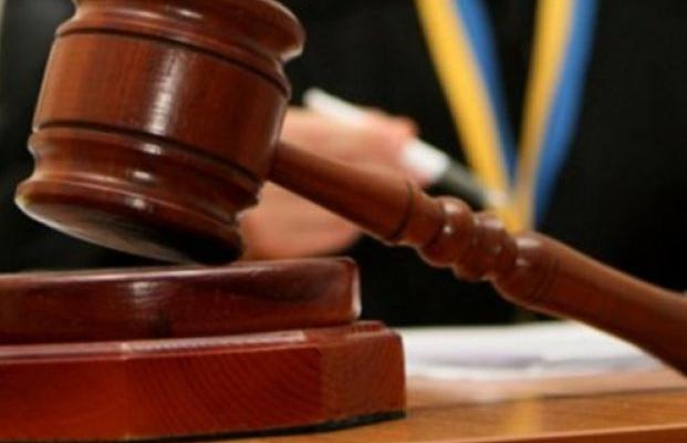 Порошенко внес вРаду неотложный законодательный проект обАнтикоррупционном суде
