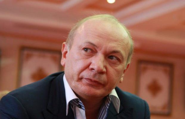 Зрадники у владі. Найближчий соратник Януковича Юрій Іванющенко отримав свободу