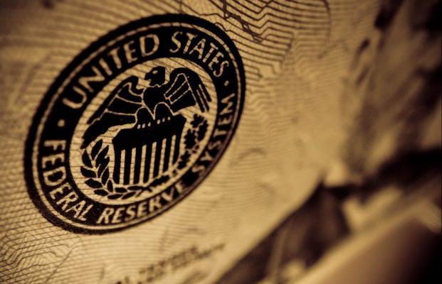 ФРС США меняет политику: как это скажется на курсе гривны