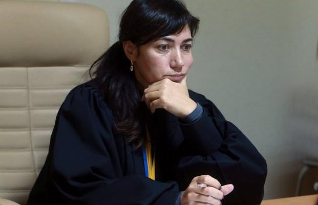 Судью, которая отпустила Саакашвили, отстранили. Что известно о Ларисе Цокол