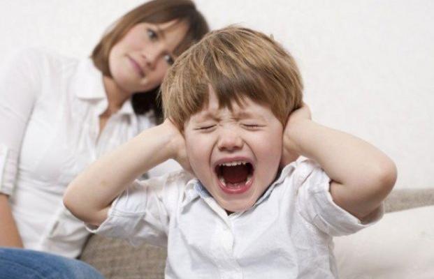Ребенок 2 года: как победить капризы