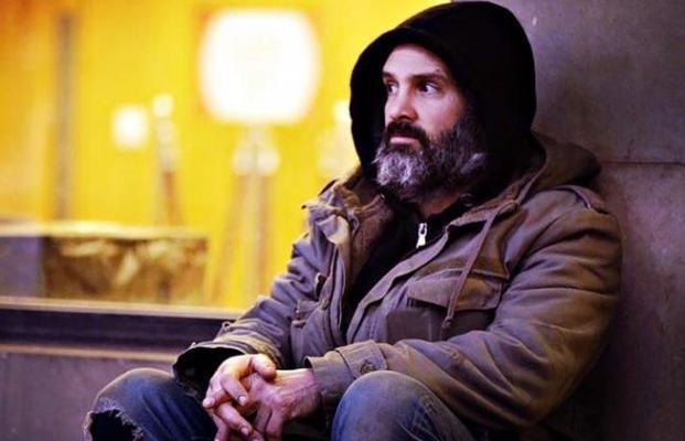 Авантюрист проводит два месяца, живя на улицах: Его отчет о доходах бездомных по-настоящему шокирует