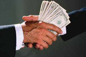 Культура коррупции: россияне дают взятки, но им это не нравится